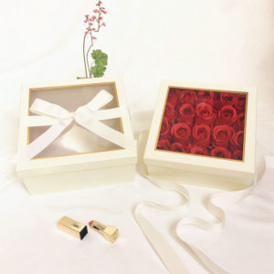 W9570 Vanilla Square Flower Boxes With Window and Ribbon Set of 2