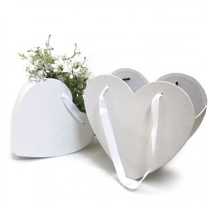 W9680 White Heart Shape Hanger Flower Box Set of 2