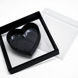 Black Transparent Hard Plastic Square Flower Box With Heart Shape In The Middle